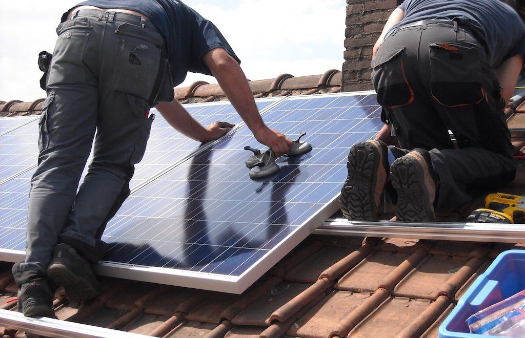 Zonne-energie opwekken zonder lelijke zonnepanelen op je dak